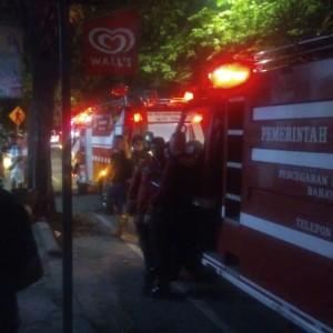 Tabung LPG Ngowos, Warung Bakso Nyaris Ludes Terbakar, Dua Orang Terluka