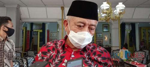 Bupati Malang HM Sanusi saat menjelaskan langkah konkrit guna mengantisipasi masifnya penularan covid-19