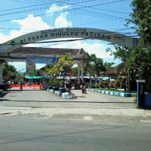 Parkir Semrawut dan Pedagang di Luar Pasar Dikeluhkan, Disperindag Belum Bertindak