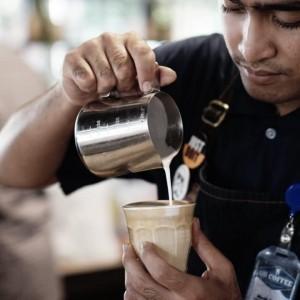 Kopi Botol Kemasan Kembali Jadi Tren Kafe-Kafe di Malang Saat Pandemi Covid-19