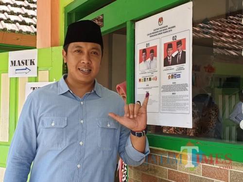 Ketua DPC Partai Gerindra Kabupaten Malang, Chusni Mubarok saat setelah menggunakan hak pilihnya di Pemilu 2019. (Foto: Chusni Mubarok for MalangTimes)