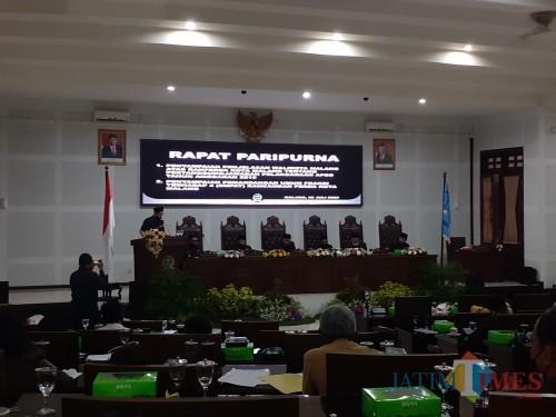 Suasana rapat paripurna di Kantor DPRD Kota Malang, Rabu (8/7). (Arifina Cahyanti Firdausi/MalangTIMES).
