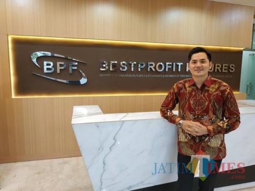 Pimpinan BPF cabang Malang, Andri (Hendra Saputra)