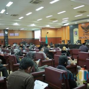 DPRD Dorong Bupati Blitar Segera Atasi Kemacetan akibat Beroperasinya Pabrik RMI