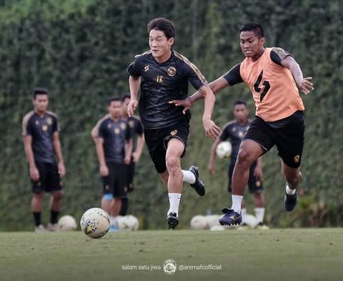 Skuat Arema FC ketika menjalani training center sebelum kompetisi Liga 1 2020 (official Arema FC)