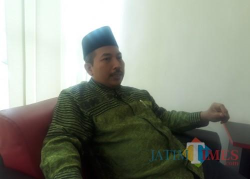 Umar Usman saat disela-sela acara Times Talk di Studio MalangTimes, Rabu (1/7/2020). (Foto: Tubagus Achmad/MalangTimes)