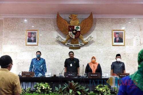 Ketua DPRD Kota Kediri Agus Sunoto memimpin rapat paripurna pemberhentian wakil wali kota. (Ist)