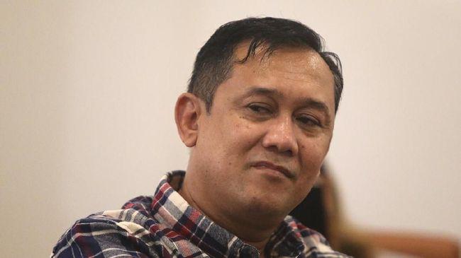 Pembobol Data Denny Siregar Ditangkap, #BoikotTelkomsel