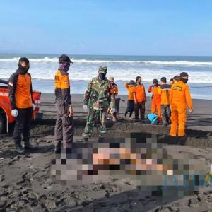 Warga Temukan Mayat Pria Tanpa Busana di Panti Wotgalih