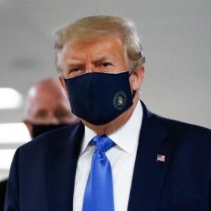 Donald Trump Tampil di Depan Umum Kenakan Masker Berujung Kritikan