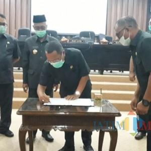DPRD Bondowoso Tetapkan Perda Pembinaan Pasar Rakyak