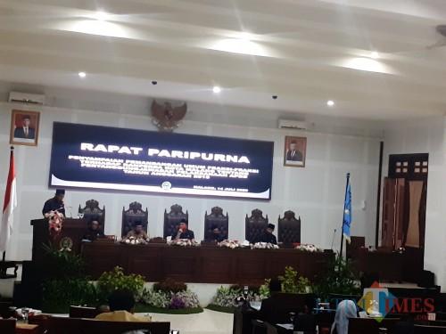 Rapat Paripurna di Ruang Sidang DPRD Kita Malang, Selasa (14/7). (Arifina Cahyanti Firdausi/ MalangTIMES).