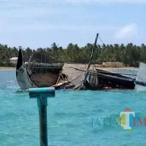 Angkut Bahan Material, Perahu Layar Motor Tenggelam di Perairan Sumenep
