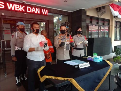 Kapolresta Malang Kota, Kombespol Leonardus Simarmata yang melakukan rilis kasus curat (Ist)