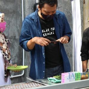 Siap Go Digital, Pelaku UMKM Kota Kediri Dilatih Motret Foto Produk