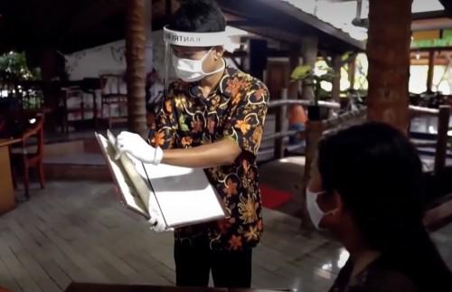 Penerapan protokol kesehatan di restoran saat pandemi covid-19. (Foto : Instagram Disparbud Kabupaten Malang)