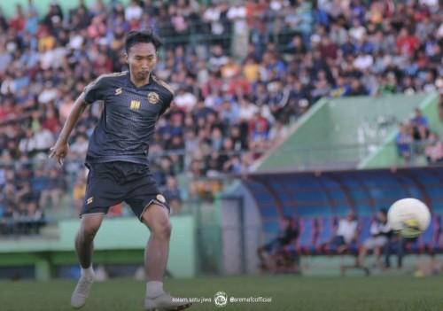 Nurdiansyah saat menjalani latihan bersama Arema FC sebelum Liga 1 2020. (official Arema FC)