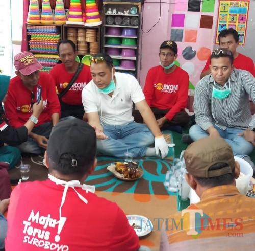 Foto viral Eri Cahyadi bersama Camat Tegalsari Buyung Hidayat.