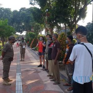 Langgar Protokol Kesehatan, KTP Sejumlah Warga di Kota Blitar Disita