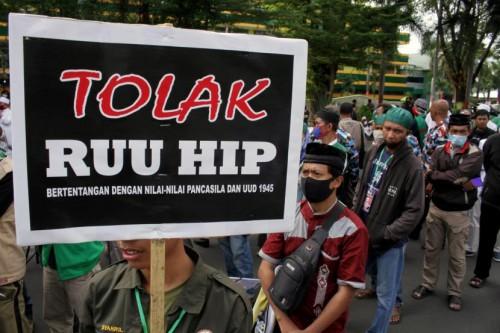 Demo tolak RUU HIP. (Foto: Republika)