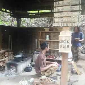Uniknya Warung Tomboan: Usung 'Back To Nature' dan Pengunjung Bebas Bayar Semampunya