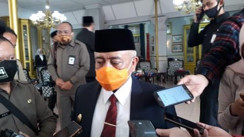 Bupati Malang, HM Sanusi saat membahas kekosongan jabatan DPKPCK paska Kepala Dinas yang lama dilantik sebagai Sekda Kabupaten Malang secara definitif