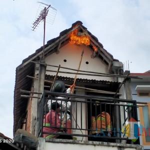 Tak Melulu Kebakaran, Petugas Damkar di Tulungagung juga jadi Pawang Ular