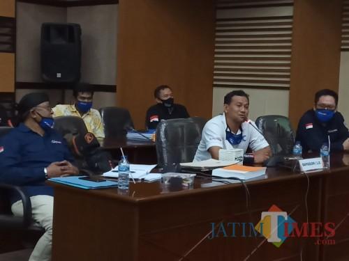 Bakal calon bupati Malang dari jalur perseorangan Heri Cahyono di gedung DPRD Kabupaten Malang, Selasa (21/7/2020). (Foto: Tubagus Achmad/MalangTimes)