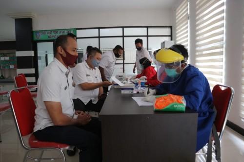 Sekda dan Kepala Dispendukcapil Jombang Positif Covid-19, 800 Pegawai Pemkab Di-Rapid Test