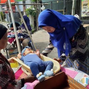 Jemput Bola, Posyandu di Kota Malang Tetap Berjalan di Tengah Pandemi Covid-19