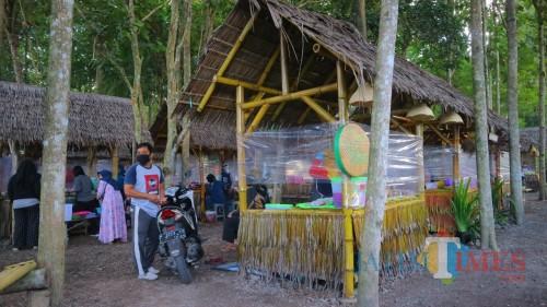 Terapkan Protokol Baru, Pasar Jatian Wringinrejo Mulai Terima Pengunjung