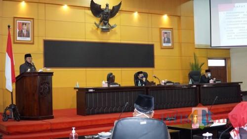 Rapat paripurna membahas 3 agenda sekaligus digelar DPRD Kota Blitar.(Foto : Aunur Rofiq/BlitarTIMES)
