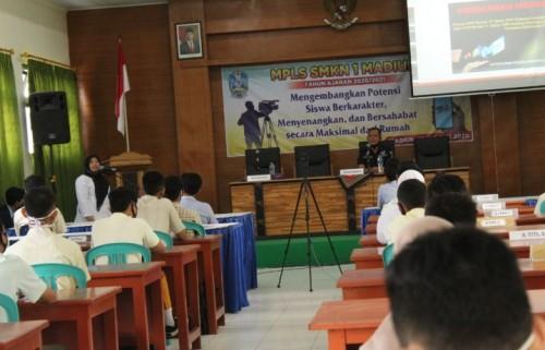 Kegiatan MPLS di SMK Negeri 1 Kota Madiun