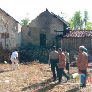 Kandang Sapi Beserta Rumah Warga di Sumenep Hangus Dilalap Si Jago Merah