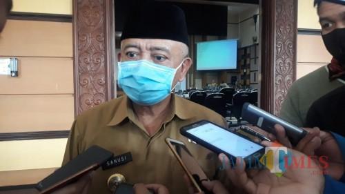 Bupati Malang, HM Sanusi saat membahas terkait opsi mutasi terhadap pejabat pemerintahan di Kabupaten Malang yang dianggap gagal menangani covid-19 (Foto : Dokumen MalangTIMES)
