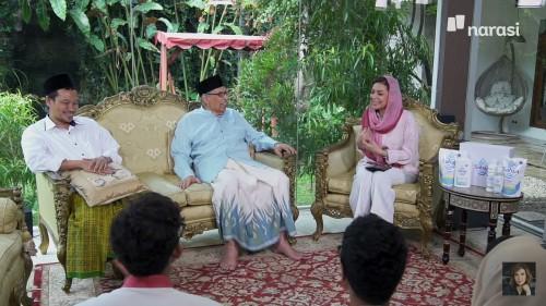 (dari kiri) Gus Baha dan Quraish Shihab saat berbincang bersama Najwa Shihab. (Foto: YouTube Najwa Shihab)