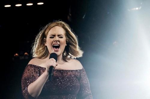 Unggah Foto Terbaru dengan Bodi Langsing, Penyanyi Adele Nyaris Tak Dikenali Penggemar