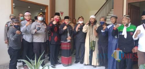 Perwakilan AMAR, Bupati dan Kapolres serta ketua DPRD / Foto : Yamani / Tulungagung TIMES