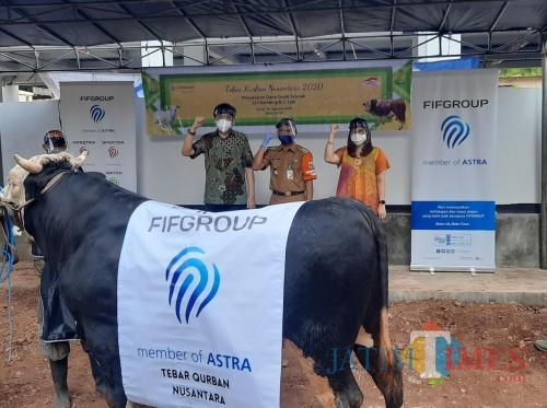 FIFGROUP Salurkan 579 Hewan Kurban Di Seluruh Indonesia