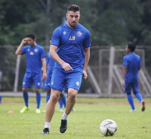 Jonathan Bauman saat melakukan latihan bersama Arema FC (official Arema FC)