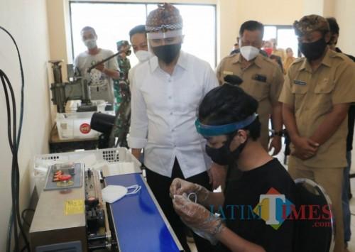 Wagub Emil Mengapresiasi dan Mendukung Pemberdayaan UMKM Produsen Masker di Kota Mojokerto