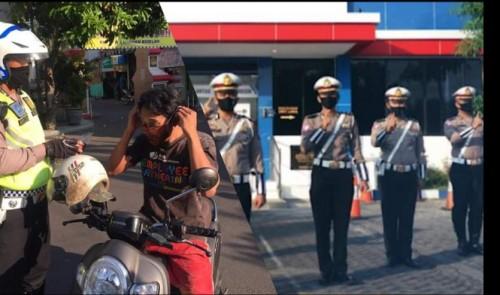 Satlantas Polres Gresik Kembali Bagi-Bagi Masker ke Pengendara
