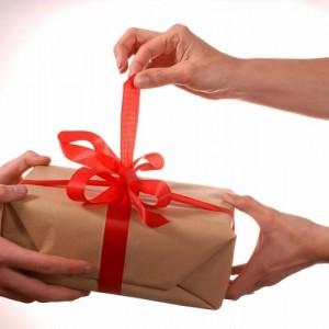 Hadiah untuk Dosen Usai Sidang Skripsi, Sekadar Terima Kasih atau Gratifikasi?
