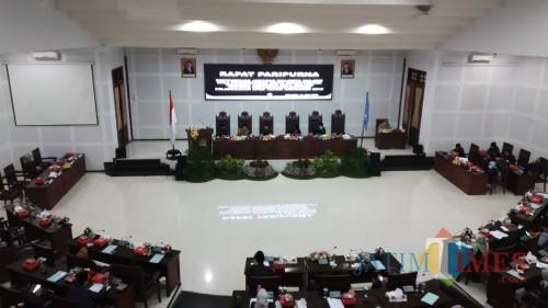 Sidang paripurna di gedung DPRD Kota Malang (Pipit Anggraeni/MalangTIMES).