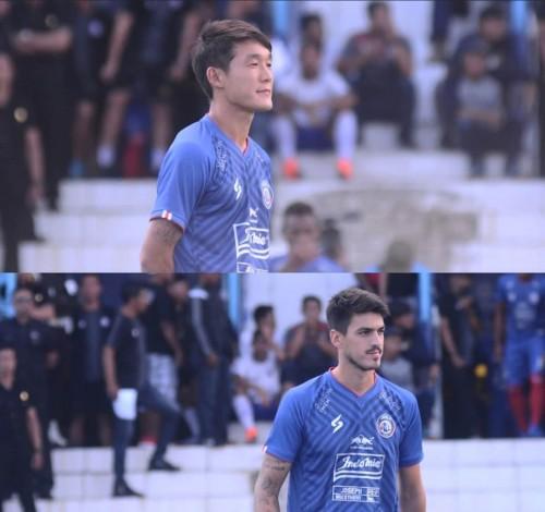Oh In-Kyun dan Matias Malvino saat launching tim Arema FC (official Arema FC)