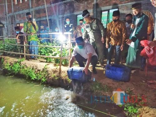 Bupati Mojokerto, Pungkasiadi hadiri kegiatan masyarakat (Foto: Diskominfo Kab. Mojokerto)