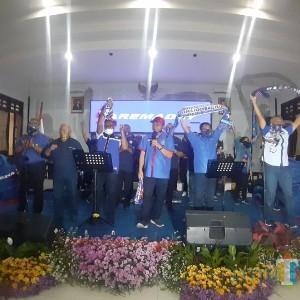 Sambut HUT Arema, Dewan-Pemkot Malang Nyanyikan Chant Singo Edan di Ruang Paripurna