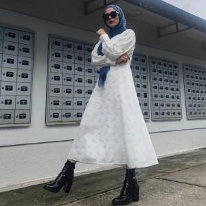 Ingin Pakai Dress tapi Tetap Terlihat Santai? Simak Mix & Match ala Influencer Noor