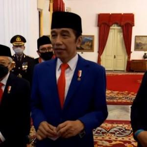 Jokowi Bersama Fadli Zon-Fahri Hamzah  Beri Keterangan soal Pemberian Tanda Penghormatan