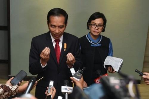 Sri Mulyani Kenang Pertemuannya dengan Jokowi di Acara Seminar 22 Tahun Silam